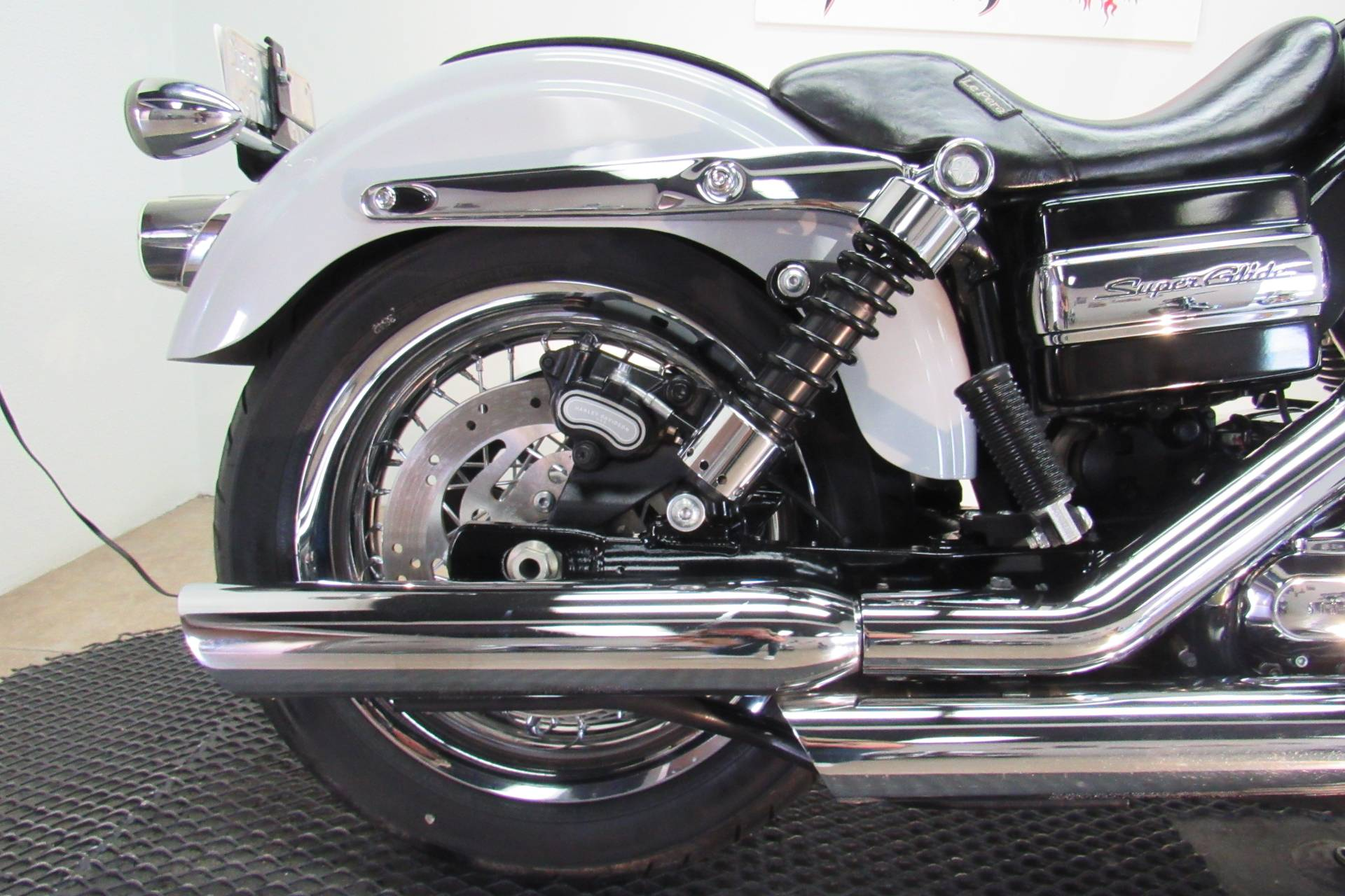 2014 Harley-Davidson Dyna® Super Glide® Custom in Temecula, California - Photo 15