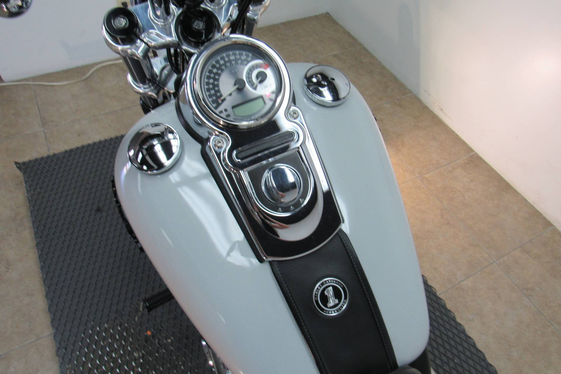 2014 Harley-Davidson Dyna® Super Glide® Custom in Temecula, California - Photo 22