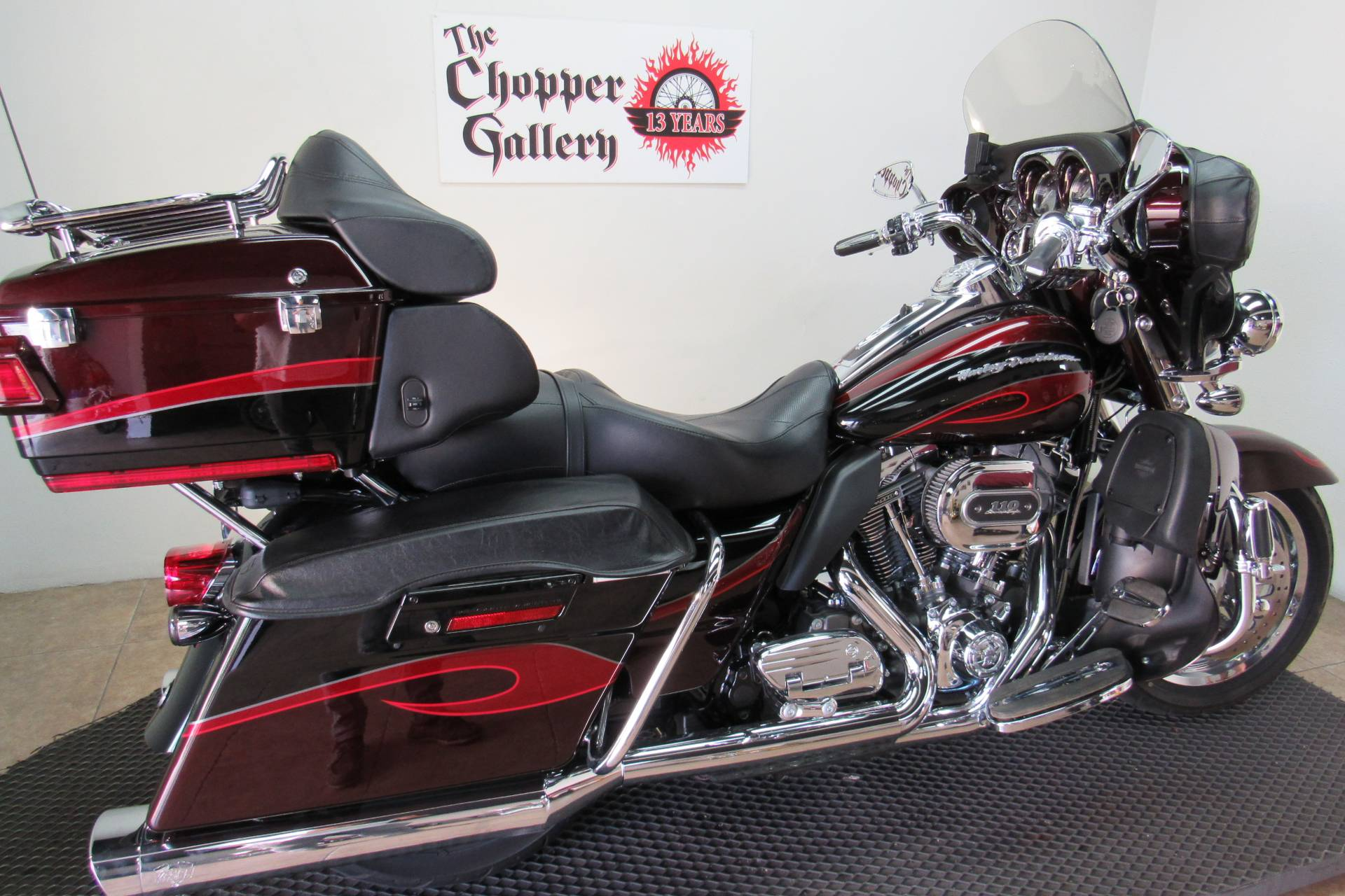 2013 Harley-Davidson CVO™ Ultra Classic® Electra Glide® in Temecula, California - Photo 5