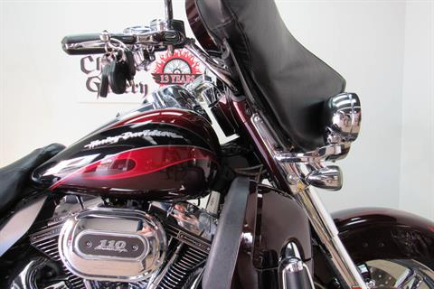 2013 Harley-Davidson CVO™ Ultra Classic® Electra Glide® in Temecula, California - Photo 9