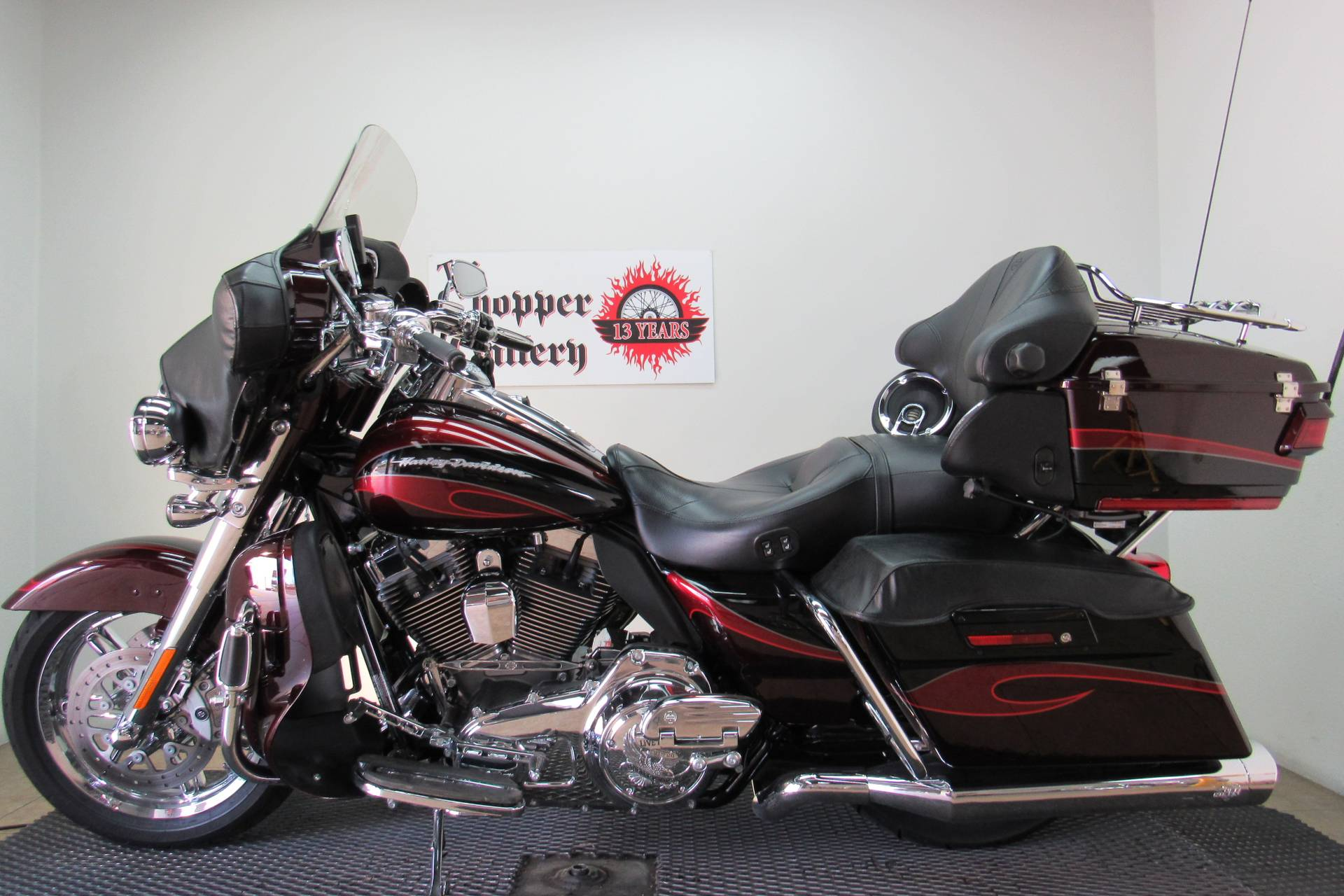 2013 Harley-Davidson CVO™ Ultra Classic® Electra Glide® in Temecula, California - Photo 2