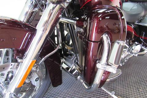2013 Harley-Davidson CVO™ Ultra Classic® Electra Glide® in Temecula, California - Photo 32