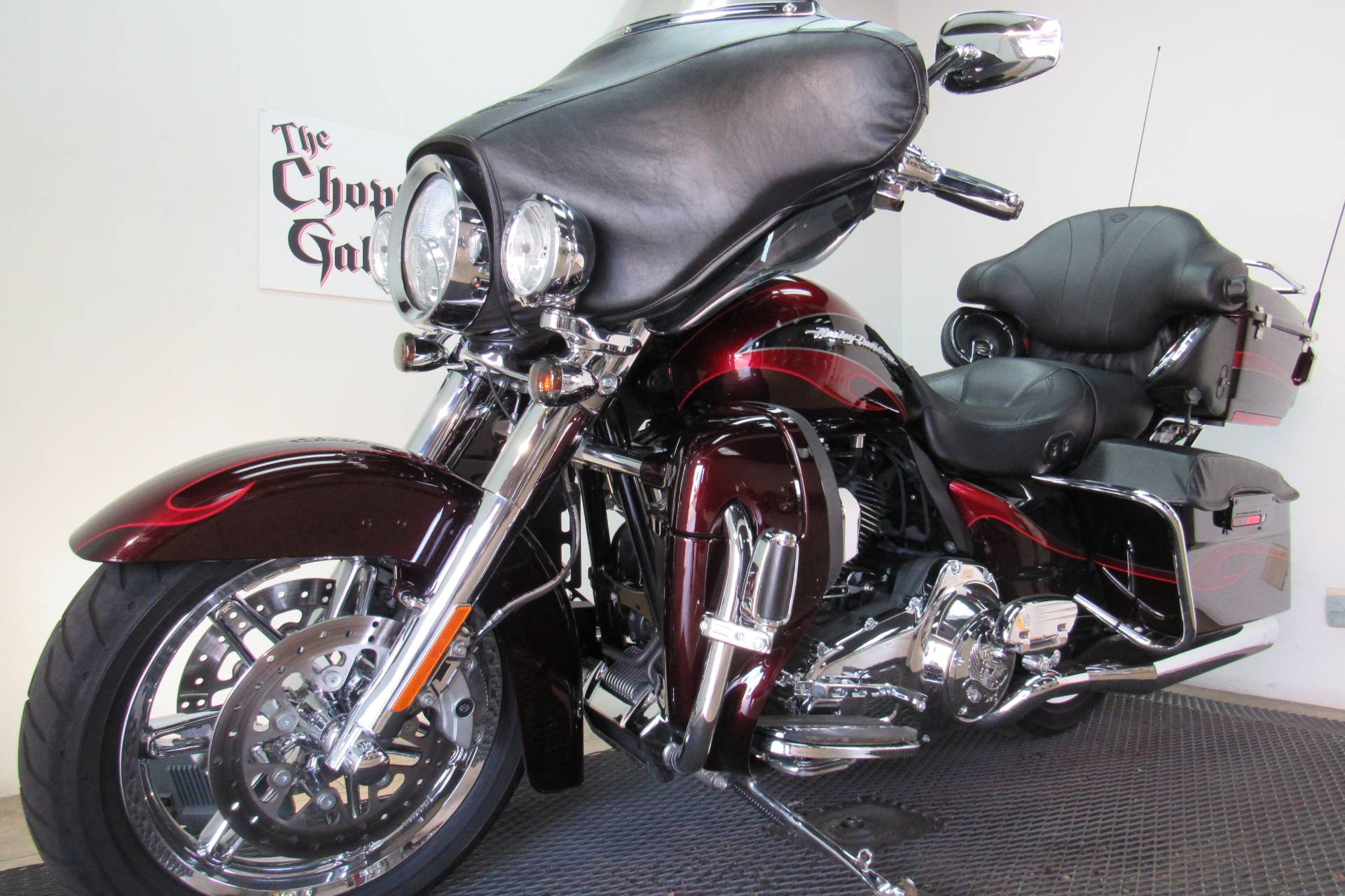 2013 Harley-Davidson CVO™ Ultra Classic® Electra Glide® in Temecula, California - Photo 35