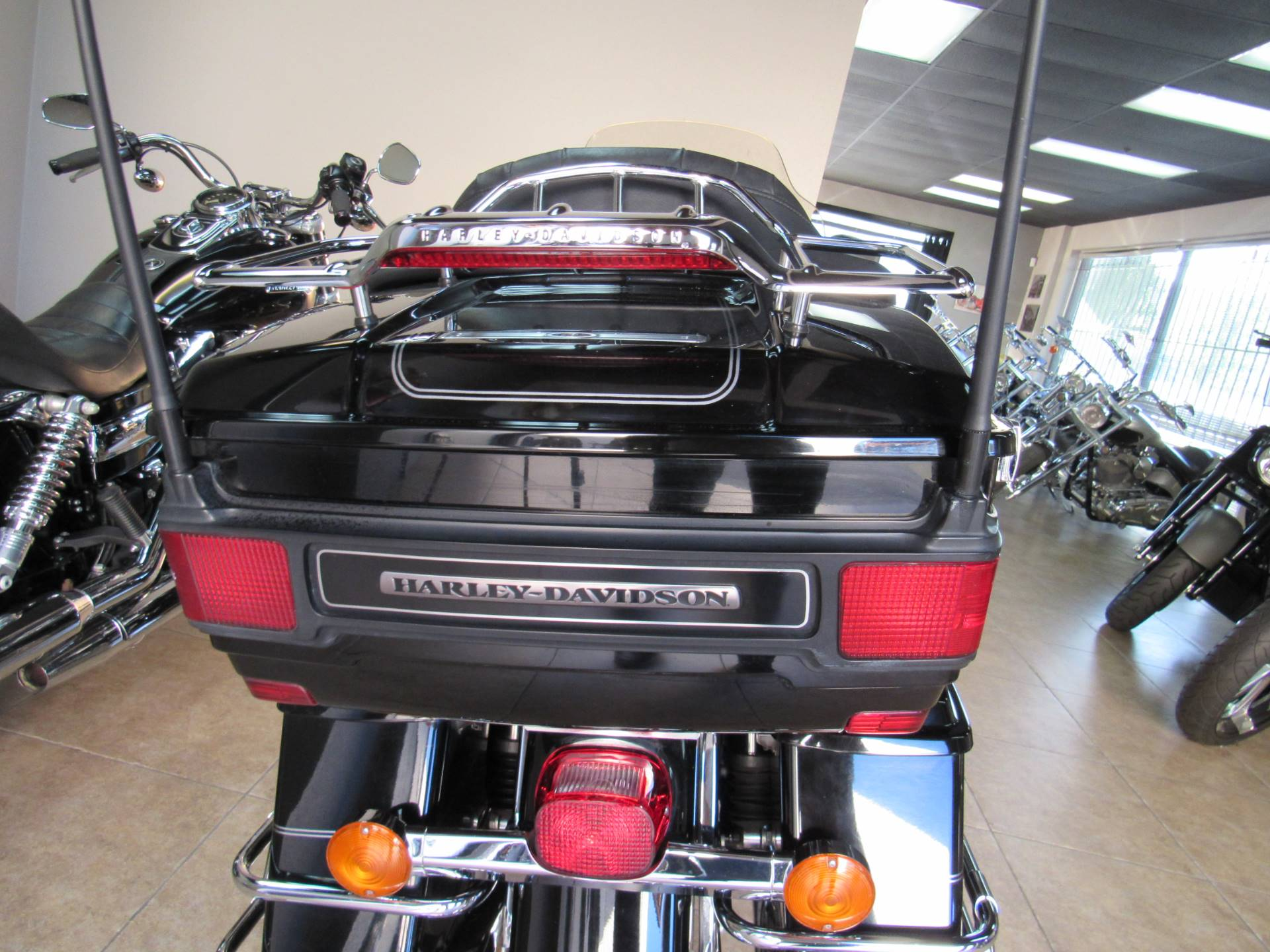 2010 Harley-Davidson Ultra Classic® Electra Glide® in Temecula, California - Photo 9