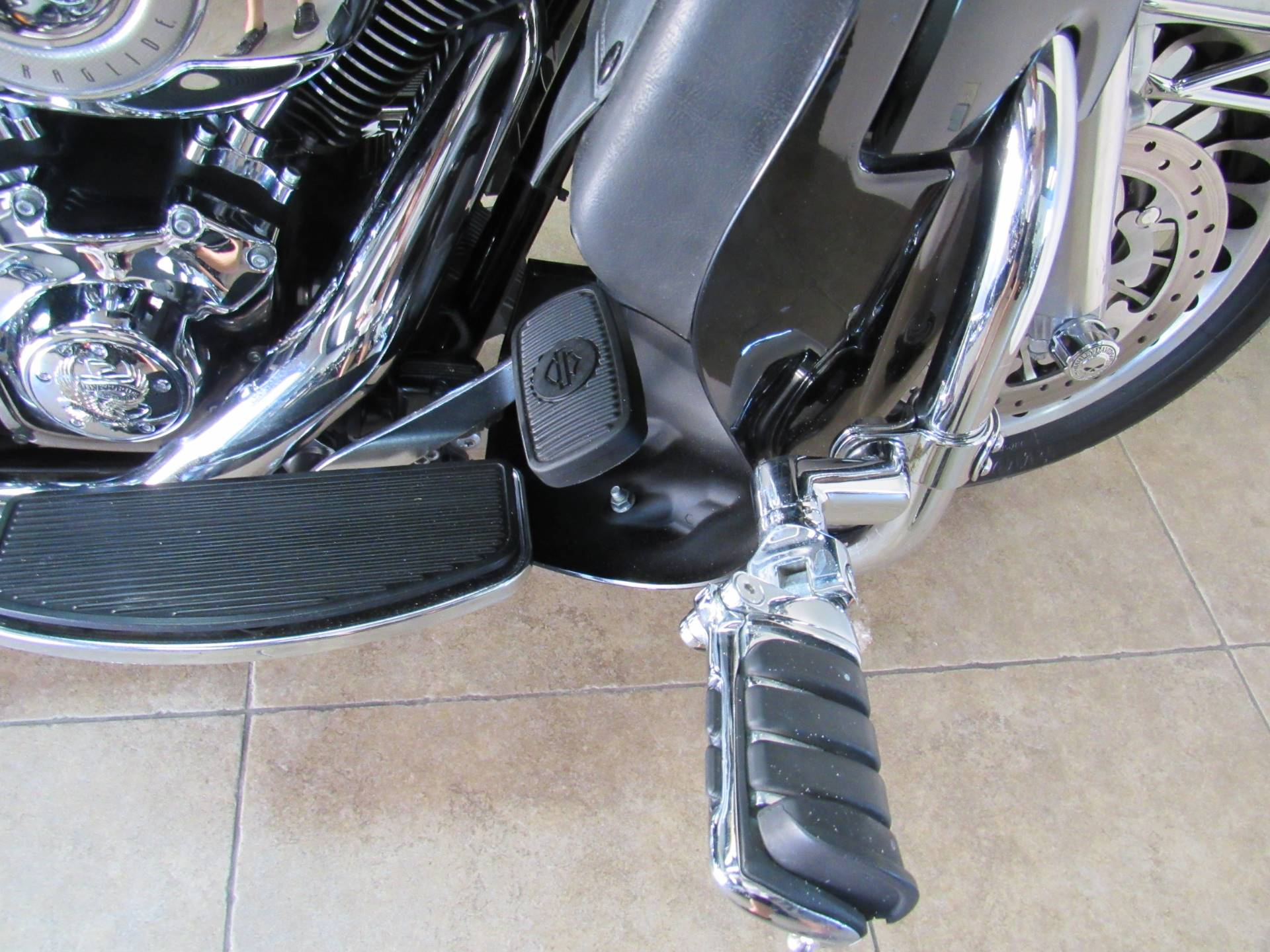 2010 Harley-Davidson Ultra Classic® Electra Glide® in Temecula, California - Photo 14