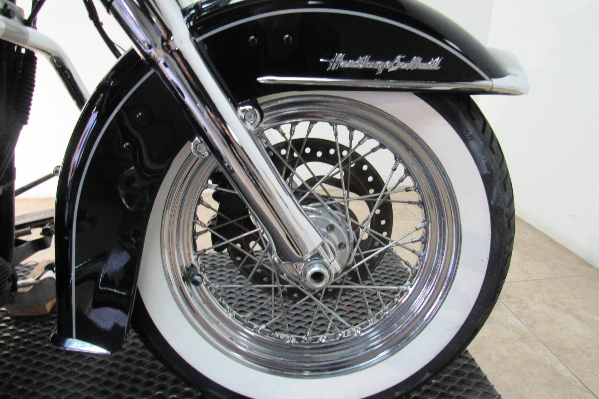 2015 Harley-Davidson Heritage Softail® Classic in Temecula, California - Photo 9