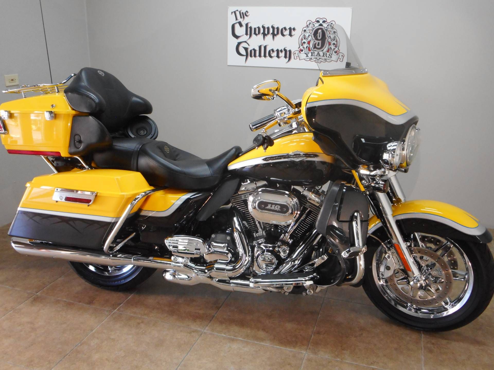 2012 harley davidson cvo ultra classic electra glide for sale. Black Bedroom Furniture Sets. Home Design Ideas