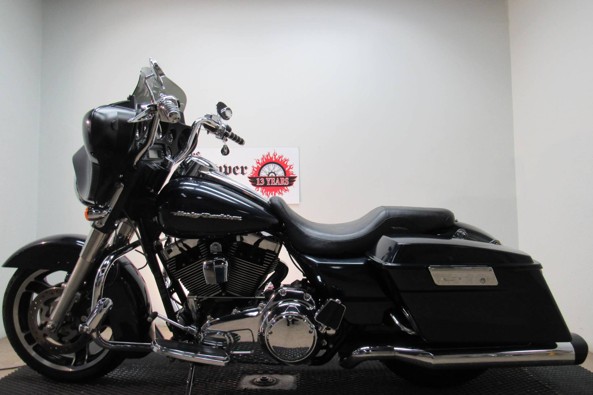 2010 Harley-Davidson Street Glide® in Temecula, California - Photo 2
