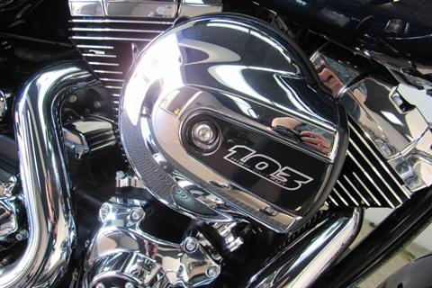 2014 Harley-Davidson Street Glide® in Temecula, California - Photo 9