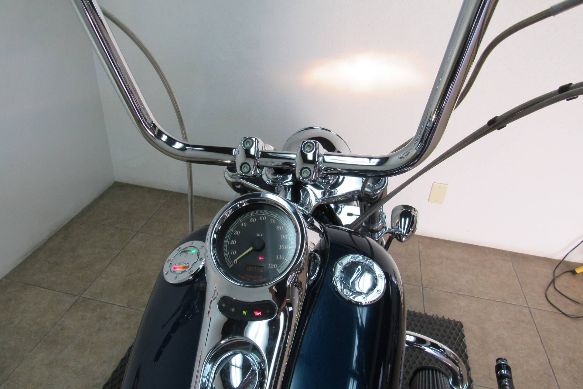 2002 Harley-Davidson FXSTD/FXSTDI Softail®  Deuce™ in Temecula, California - Photo 16