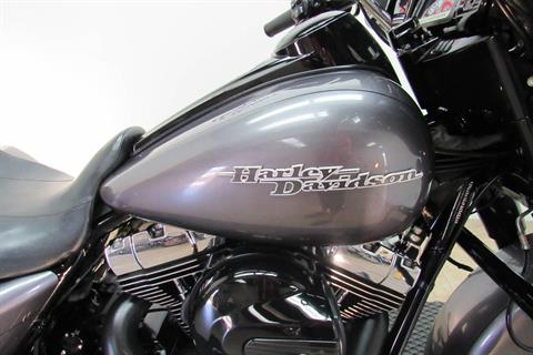 2015 Harley-Davidson Street Glide® Special in Temecula, California - Photo 13