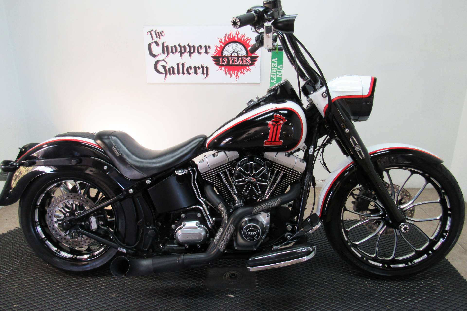 2014 Harley-Davidson Fat Boy® Lo in Temecula, California - Photo 3