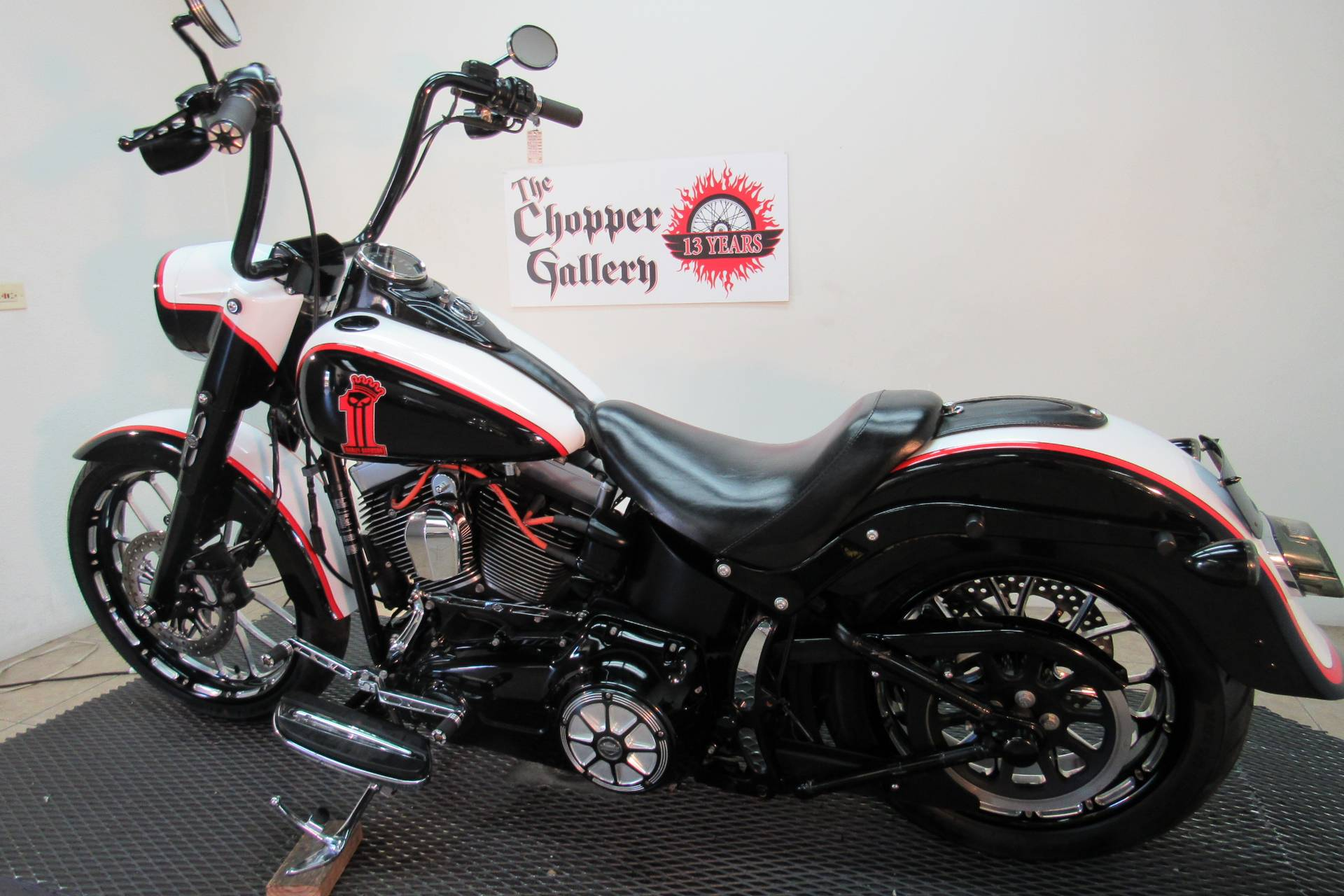 2014 Harley-Davidson Fat Boy® Lo in Temecula, California - Photo 2