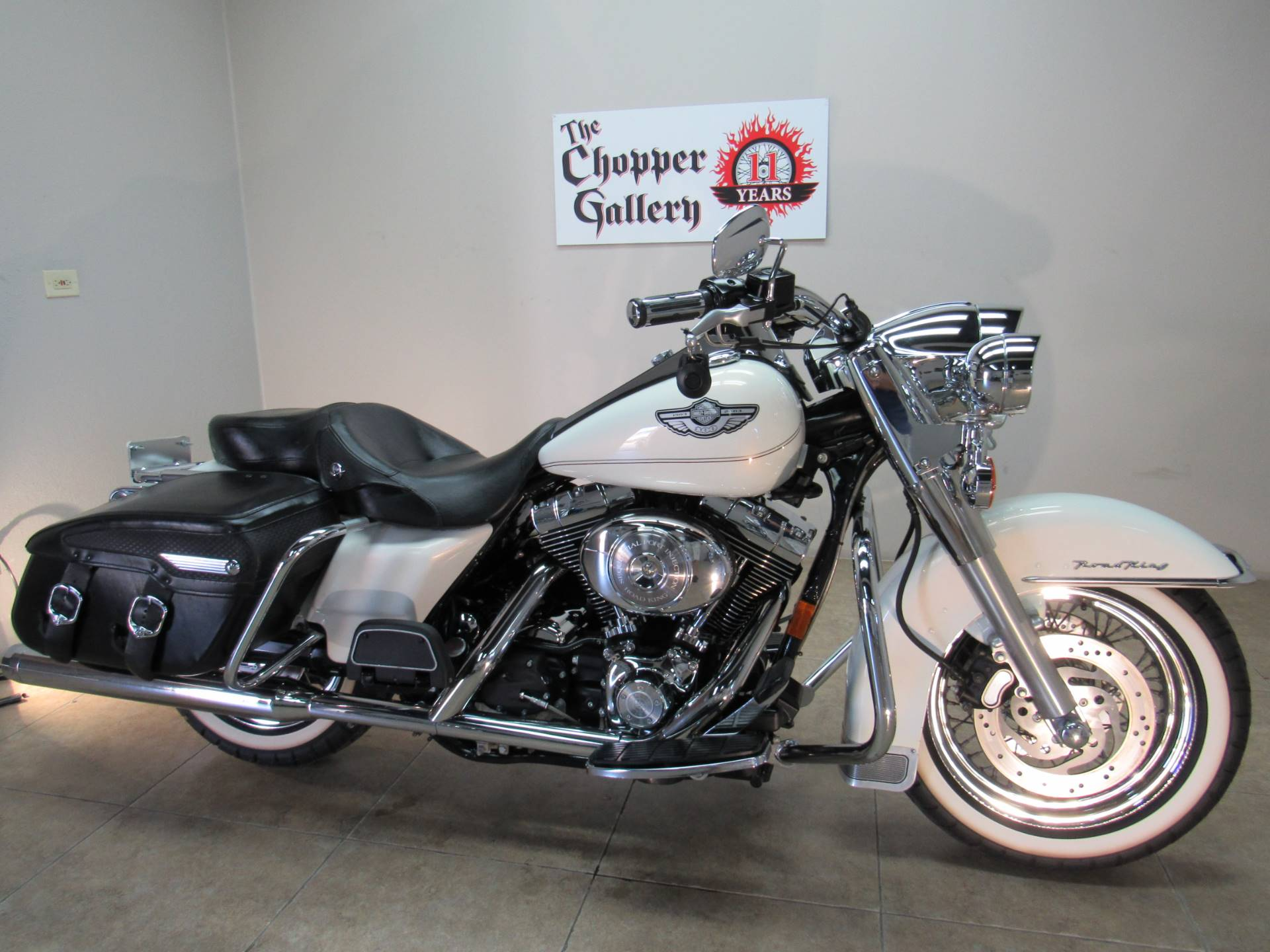 2003 Harley-Davidson FLHRCI Road King® Classic in Temecula, California - Photo 2