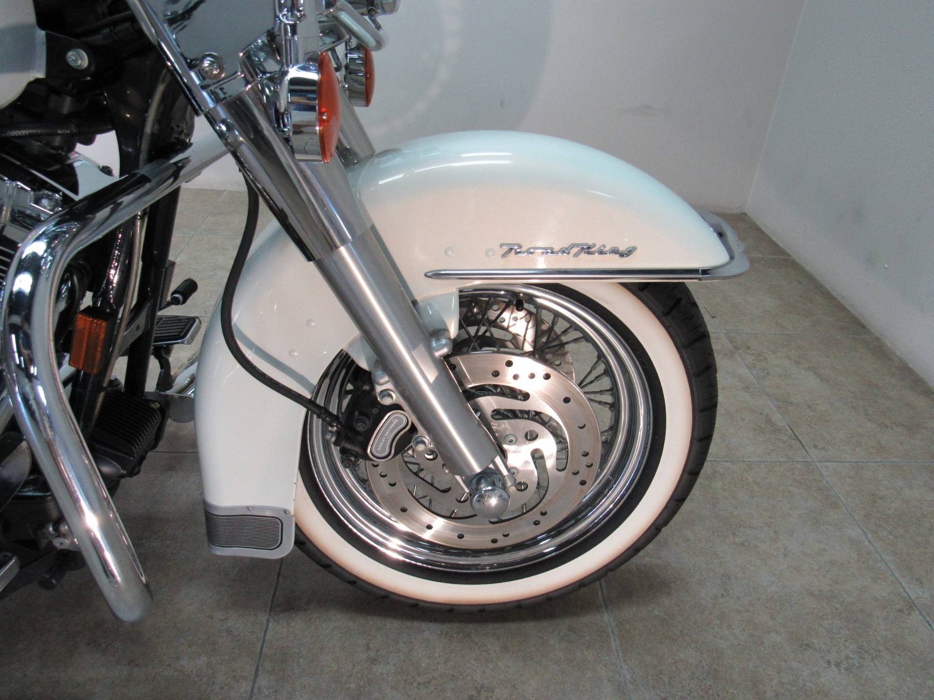 2003 Harley-Davidson FLHRCI Road King® Classic in Temecula, California - Photo 10