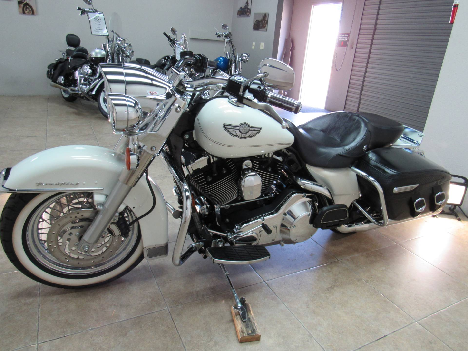 2003 Harley-Davidson FLHRCI Road King® Classic in Temecula, California - Photo 33