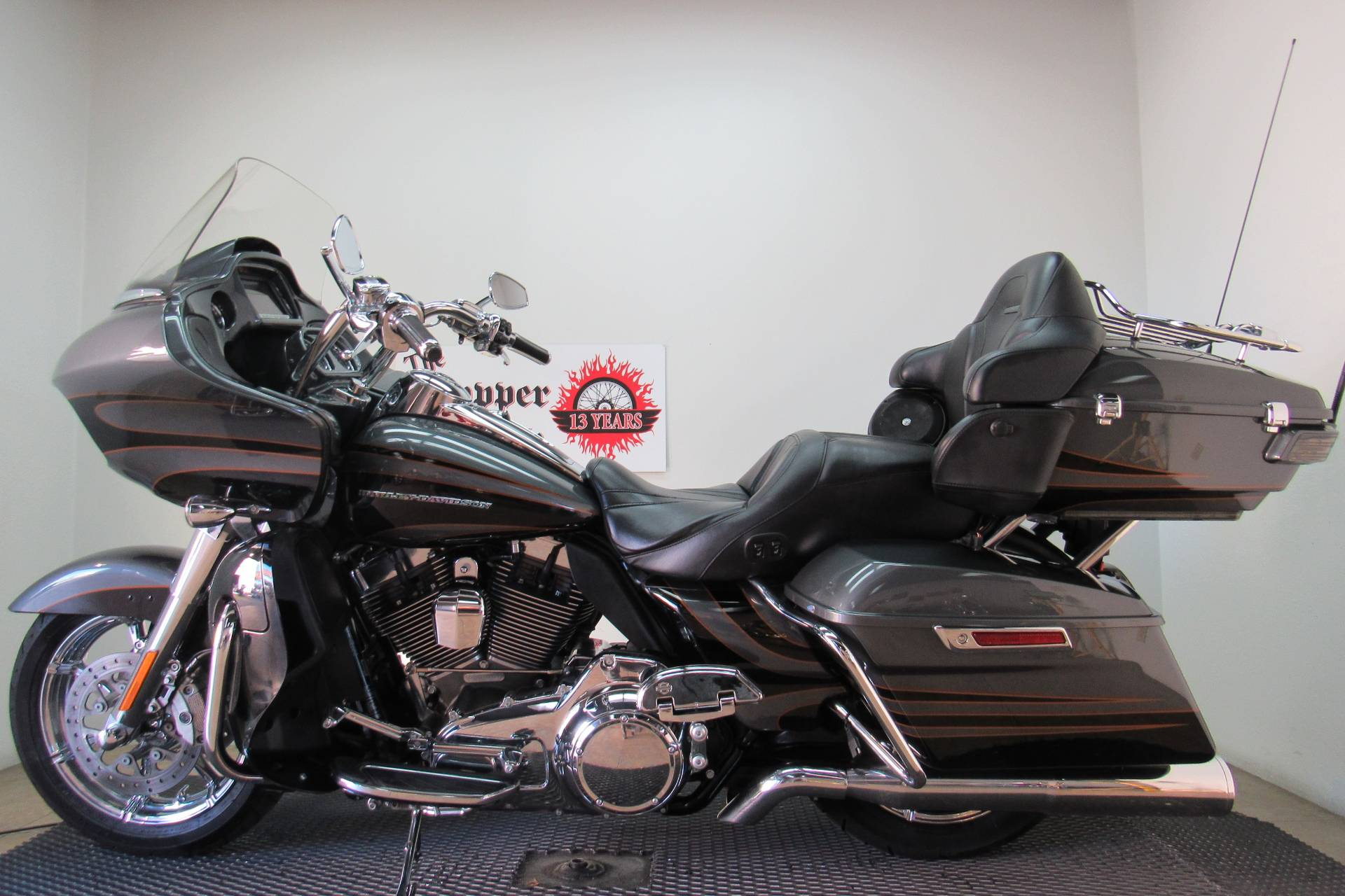2016 Harley-Davidson CVO™ Road Glide™ Ultra in Temecula, California - Photo 2