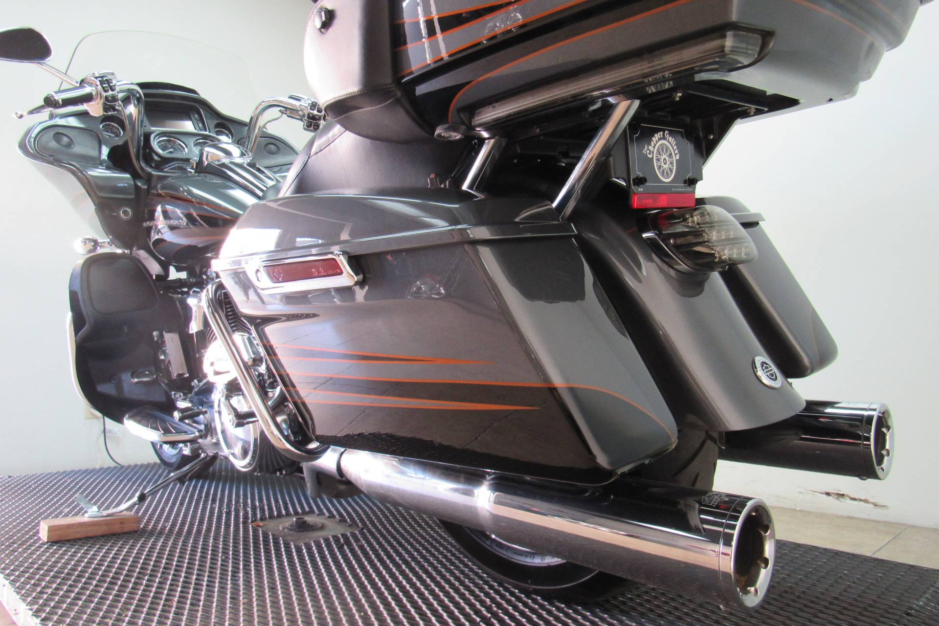 2016 Harley-Davidson CVO™ Road Glide™ Ultra in Temecula, California - Photo 34
