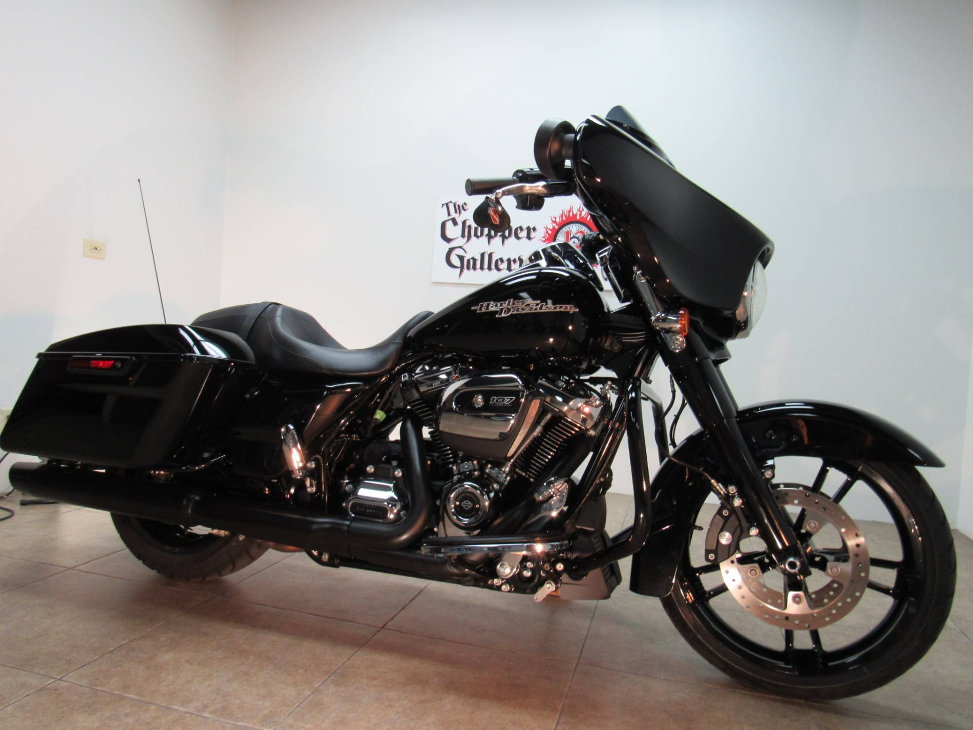 2017 Harley-Davidson Street Glide® Special in Temecula, California - Photo 12