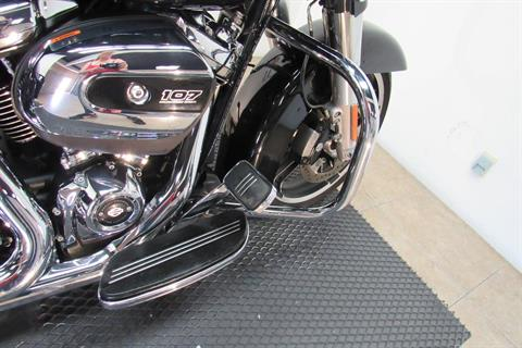 2017 Harley-Davidson Street Glide® Special in Temecula, California - Photo 14