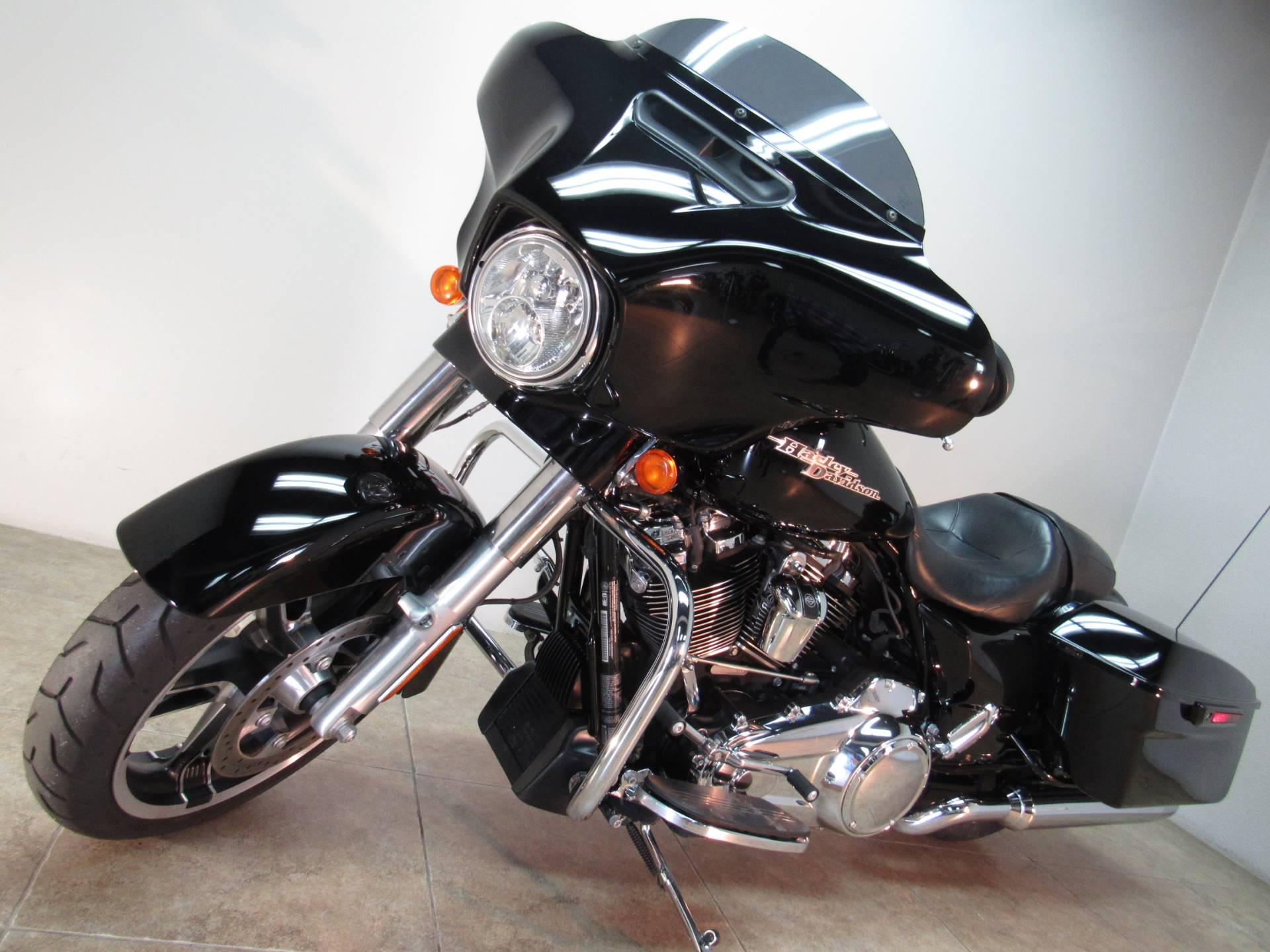 2017 Harley-Davidson Street Glide Special 8