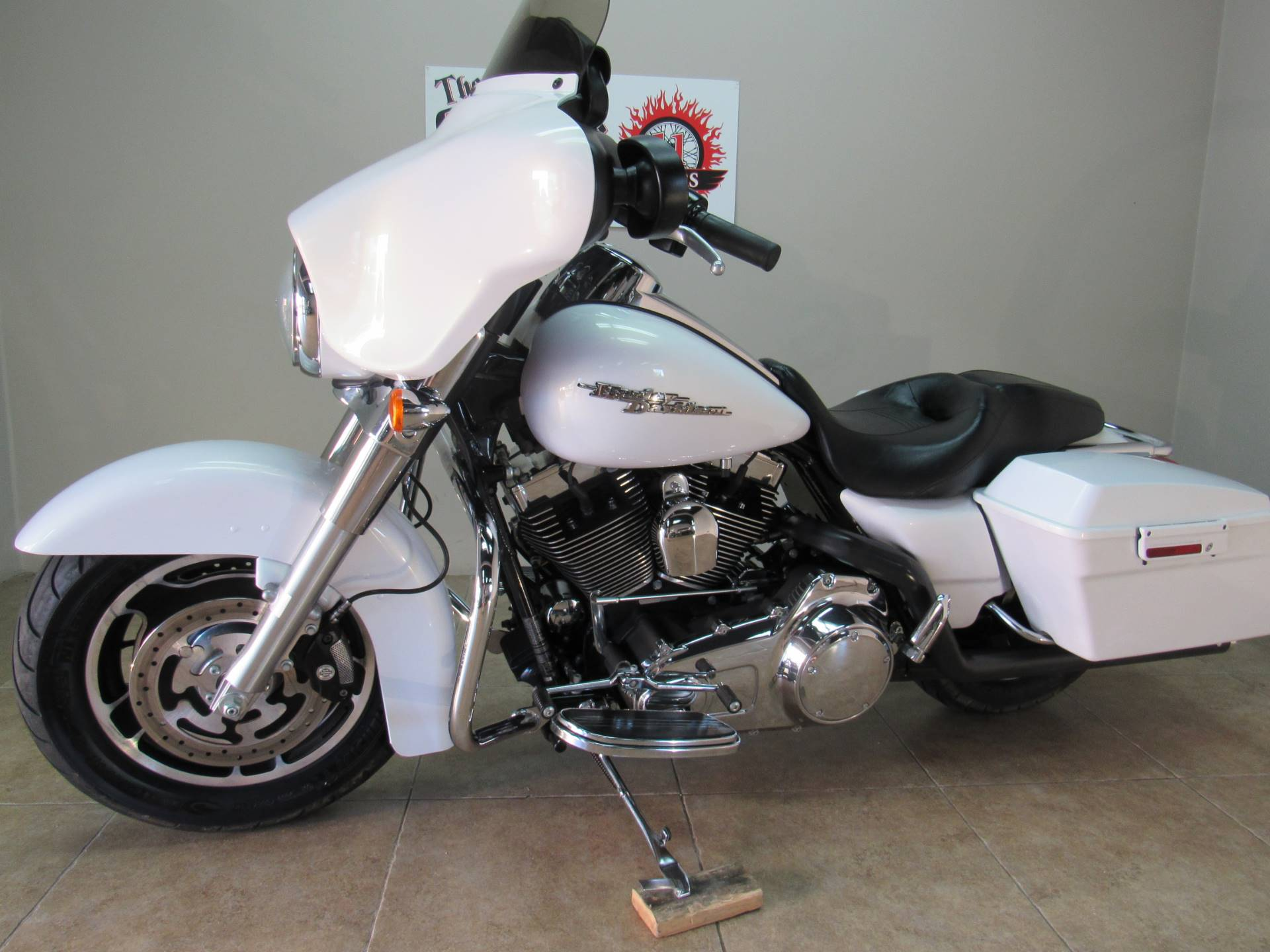 2008 Harley-Davidson Street Glide® in Temecula, California - Photo 8