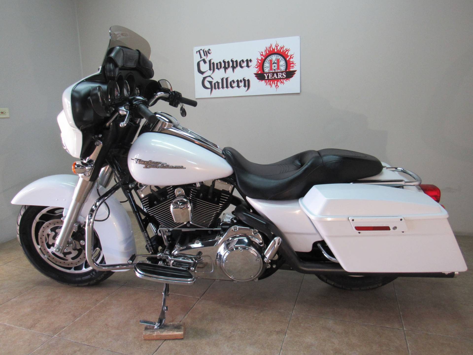 2008 Harley-Davidson Street Glide® in Temecula, California - Photo 32