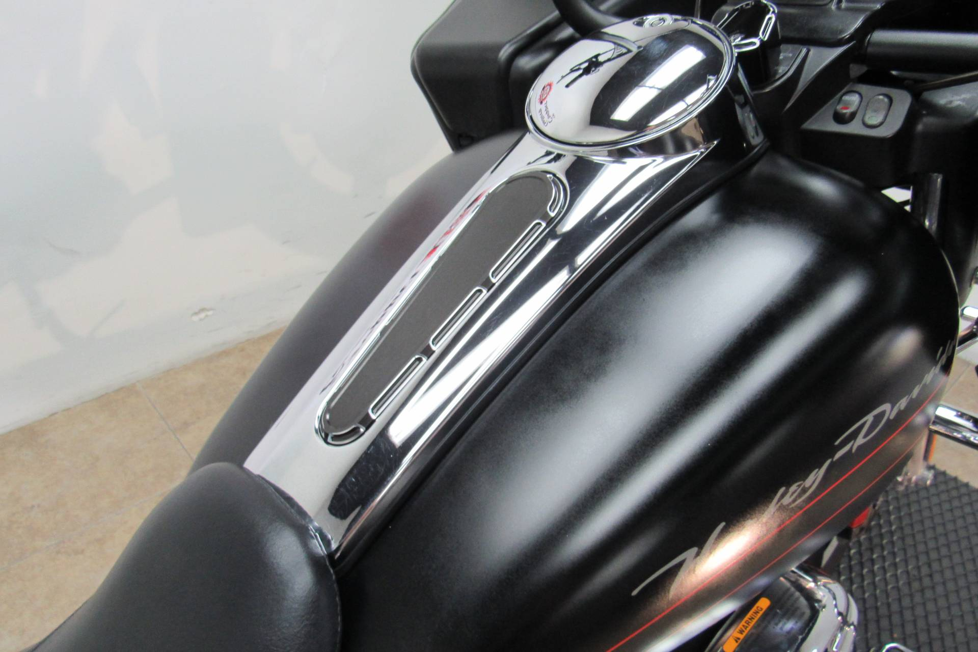 2011 Harley-Davidson Road Glide® Custom in Temecula, California - Photo 17