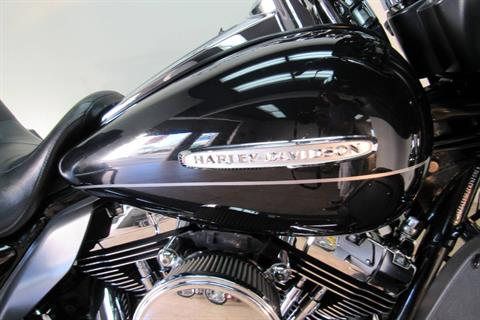 2013 Harley-Davidson Electra Glide® Ultra Limited in Temecula, California - Photo 9
