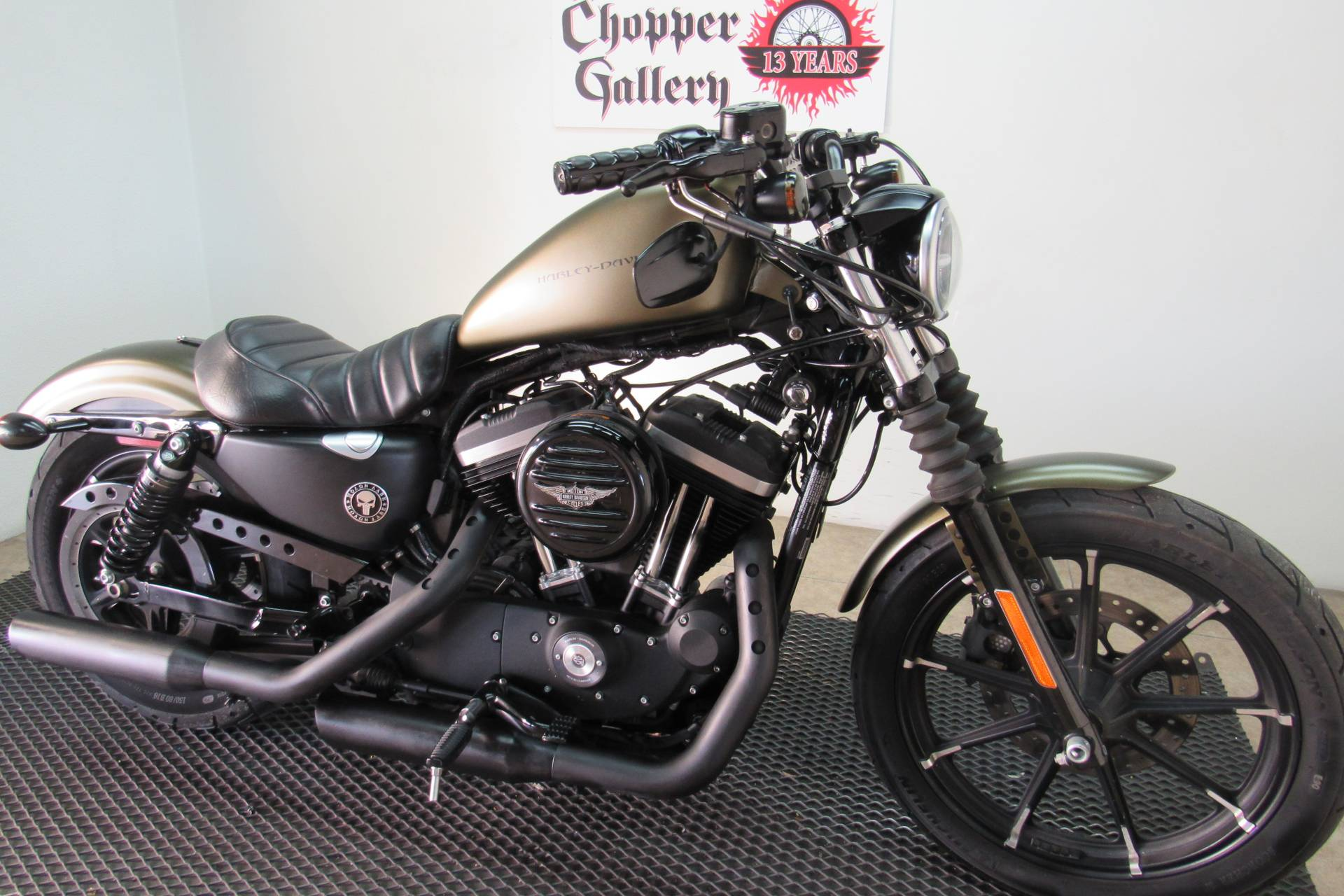2018 Harley-Davidson Iron 883™ in Temecula, California - Photo 5