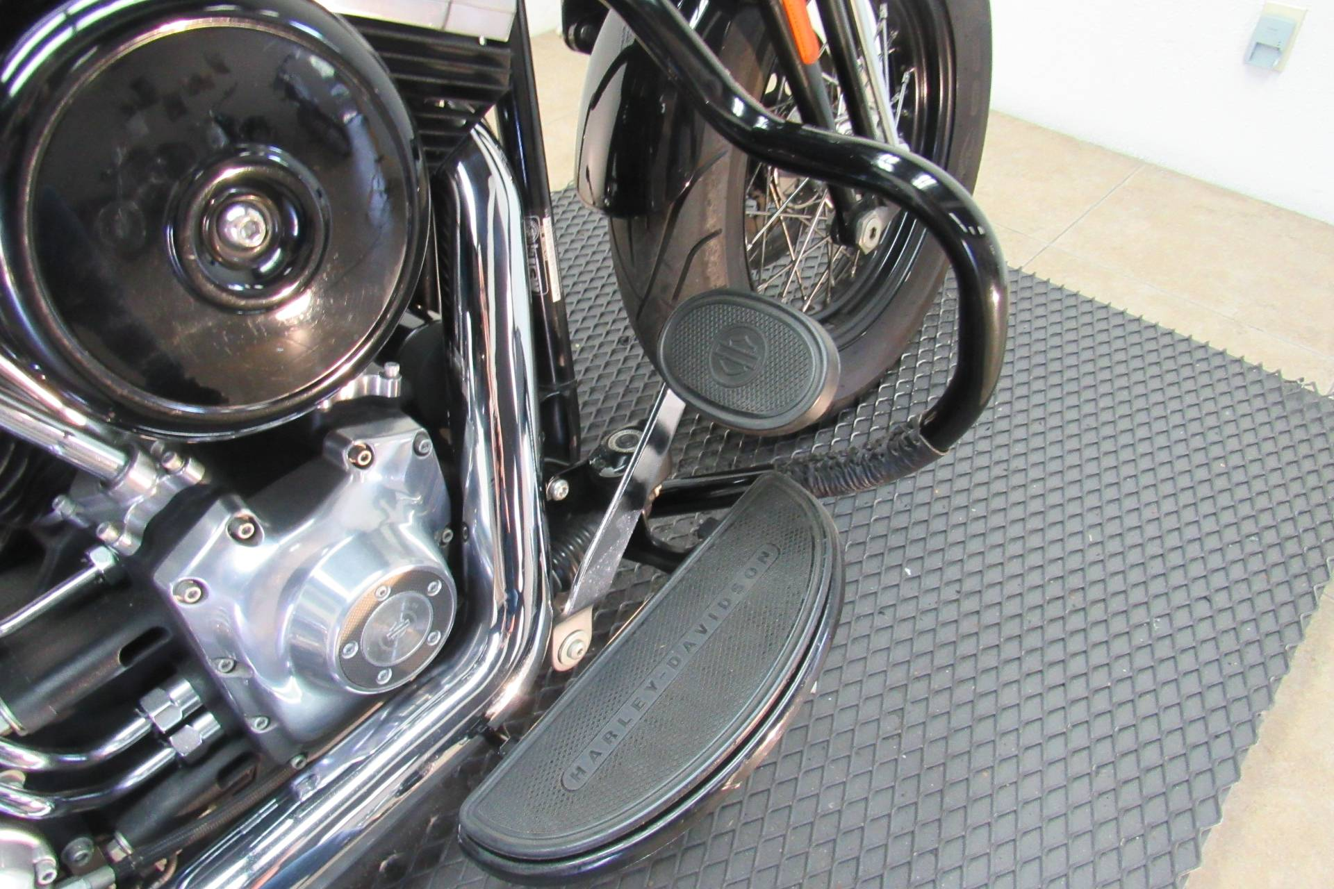2008 Harley-Davidson Softail® Cross Bones™ in Temecula, California - Photo 18