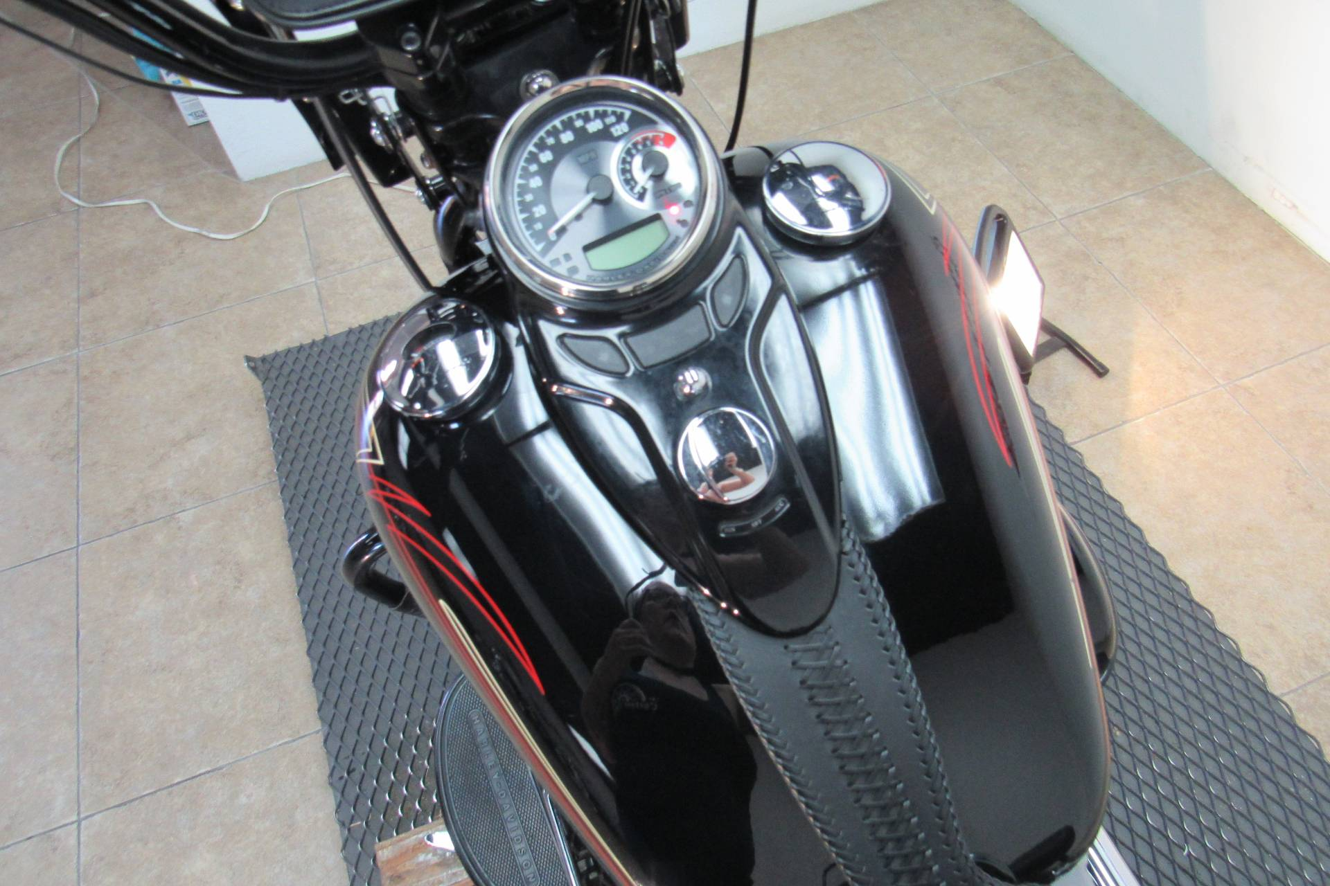 2008 Harley-Davidson Softail® Cross Bones™ in Temecula, California - Photo 24