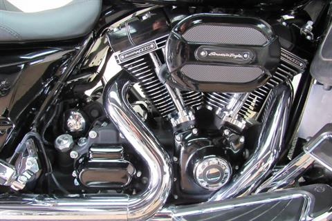 2015 Harley-Davidson CVO™ Street Glide® in Temecula, California - Photo 9