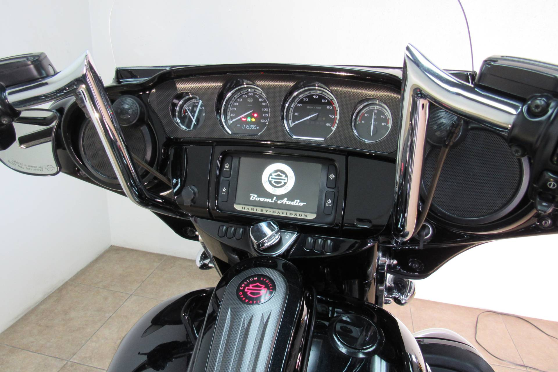 2015 Harley-Davidson CVO™ Street Glide® in Temecula, California - Photo 16