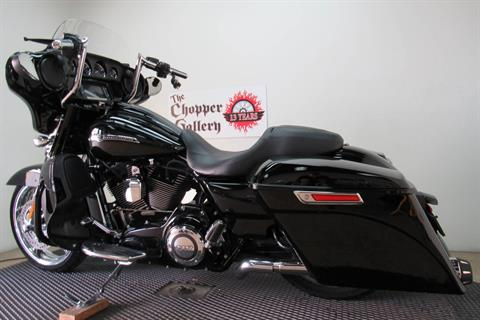 2015 Harley-Davidson CVO™ Street Glide® in Temecula, California - Photo 2