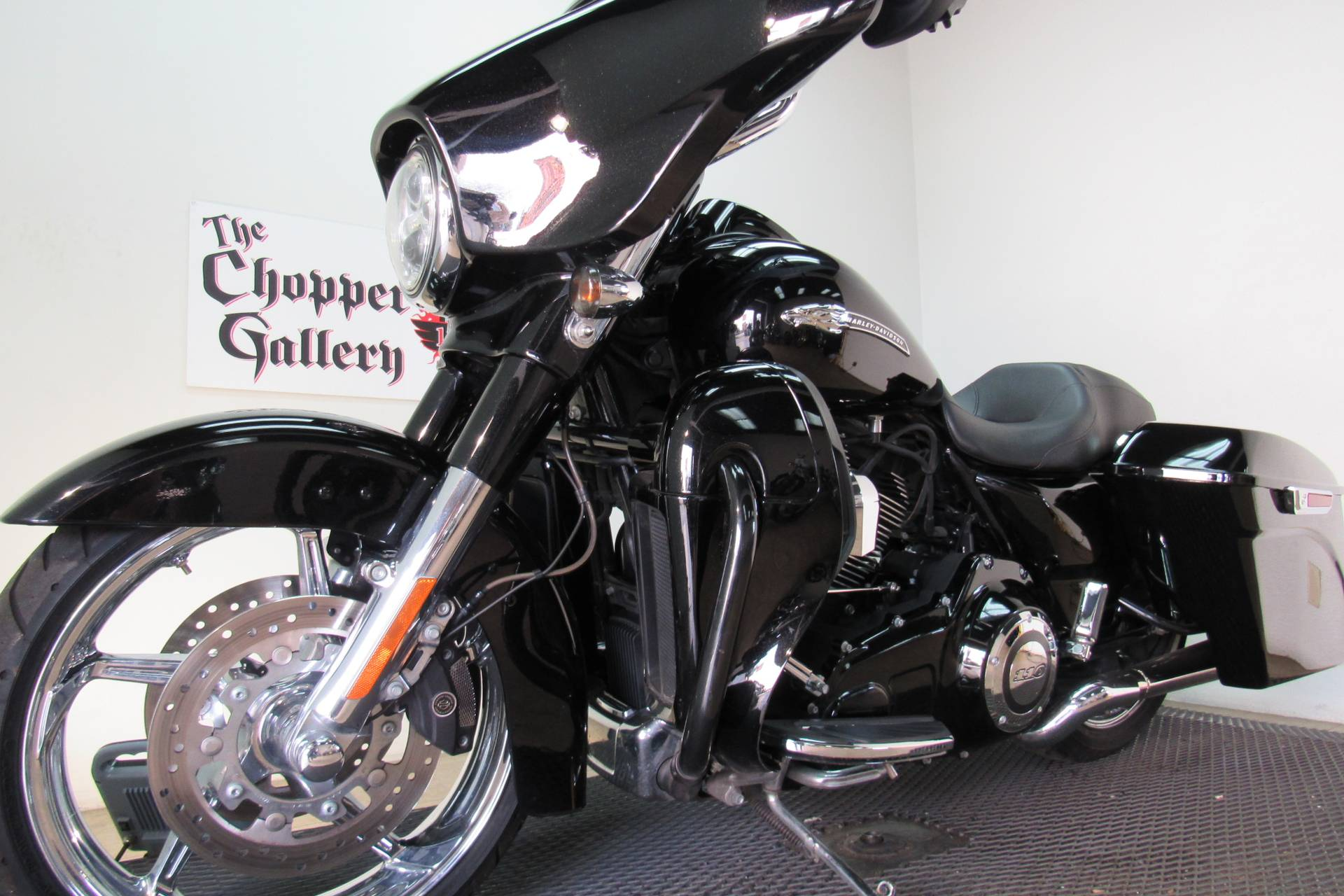 2015 Harley-Davidson CVO™ Street Glide® in Temecula, California - Photo 31
