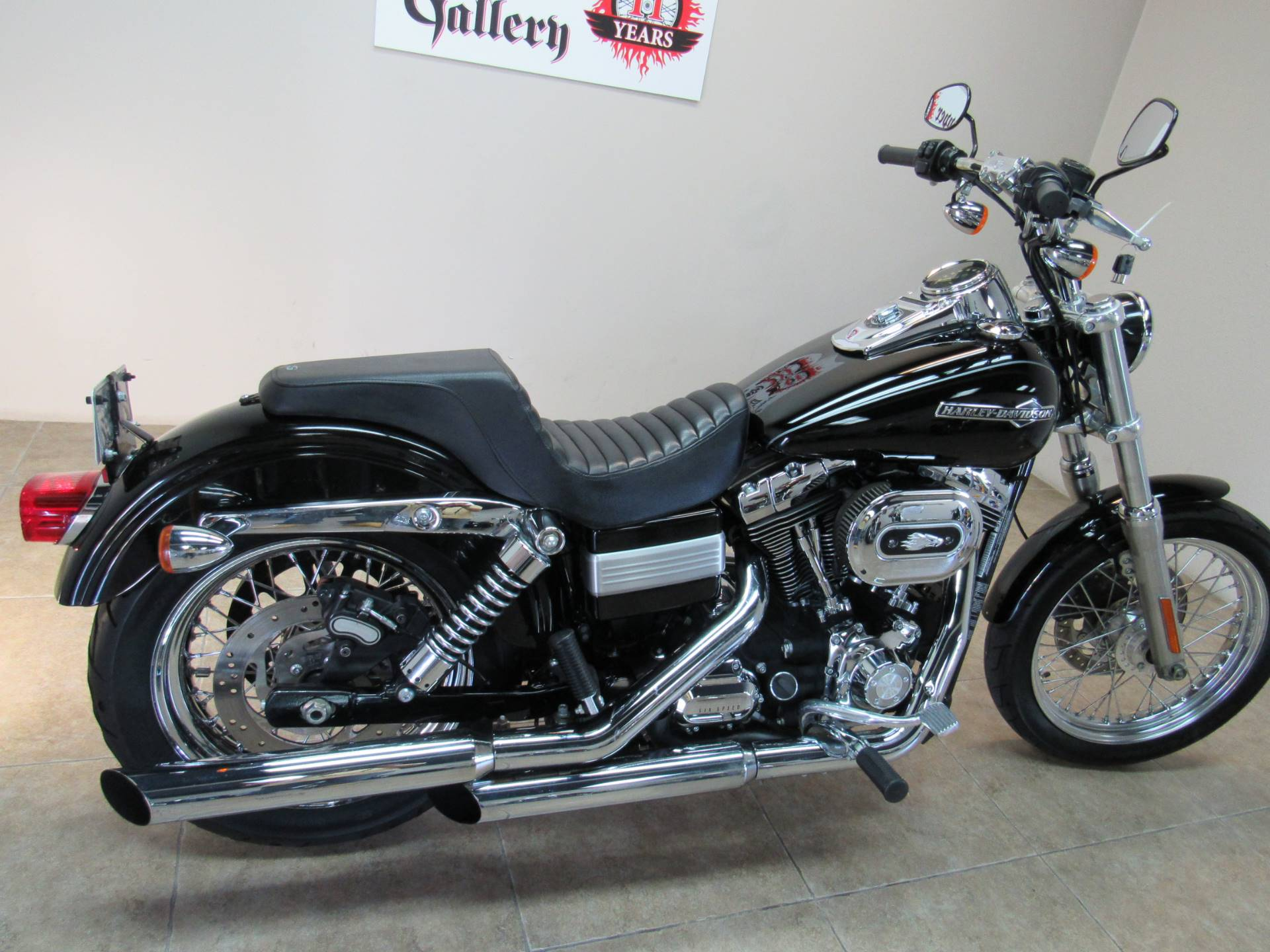 2012 Harley-Davidson Dyna® Super Glide® Custom in Temecula, California - Photo 2