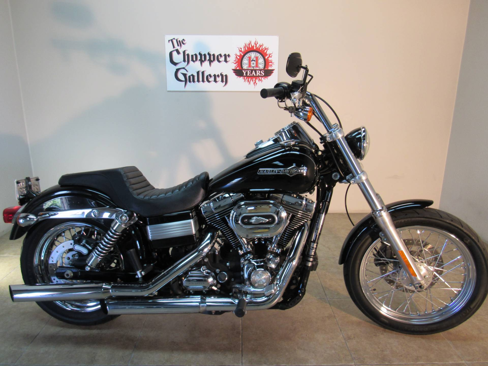 2012 Harley-Davidson Dyna® Super Glide® Custom in Temecula, California - Photo 17