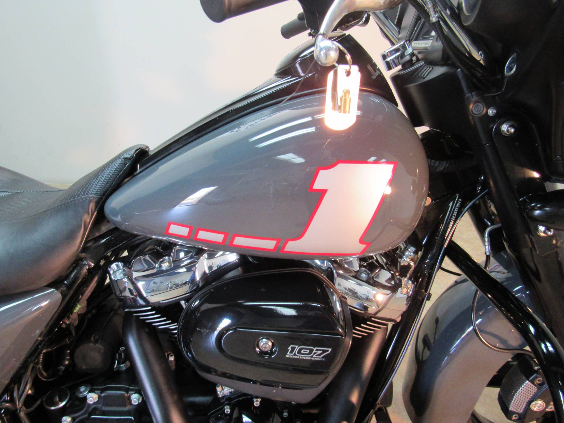 2018 Harley-Davidson Street Glide Special 9
