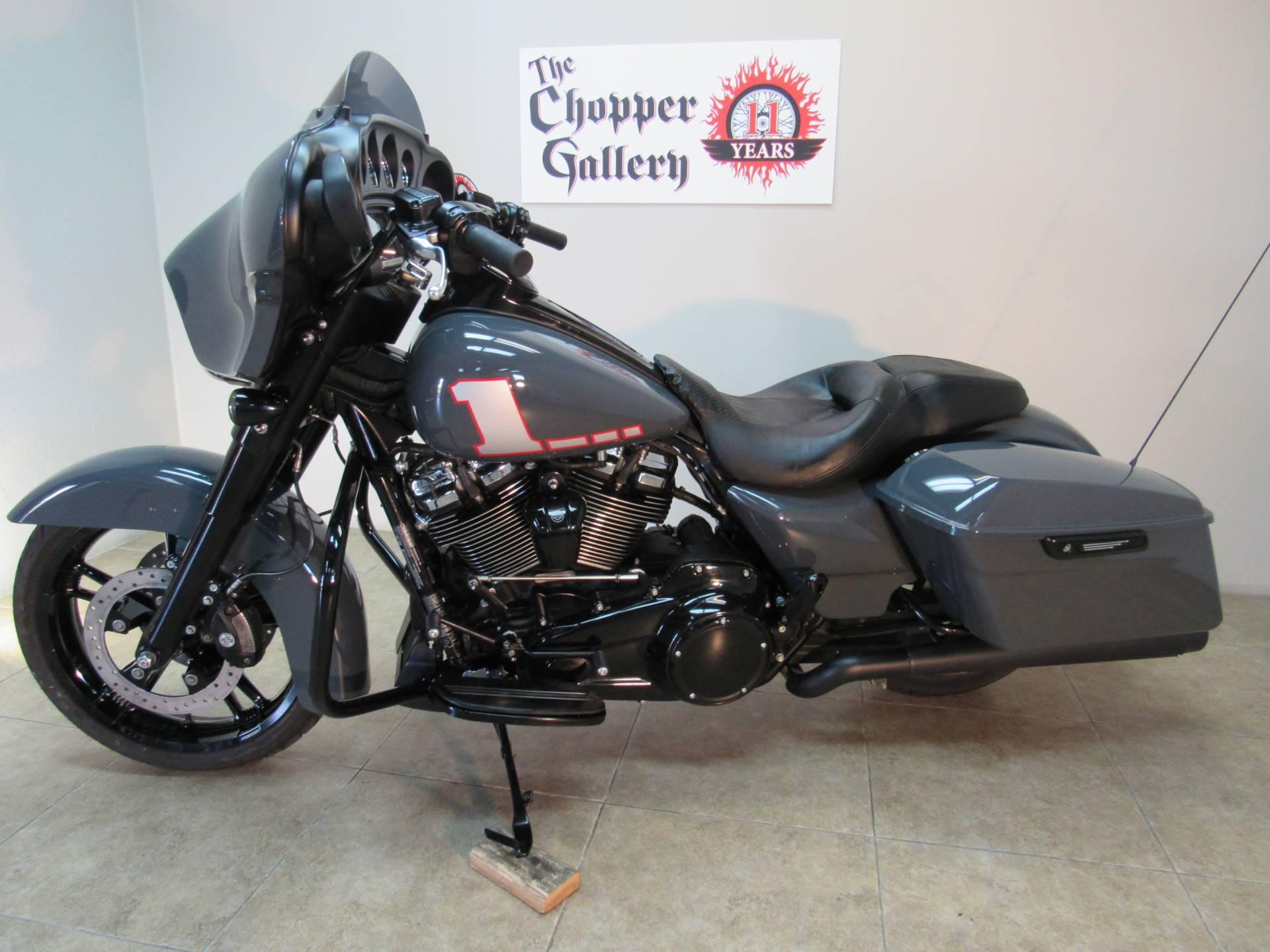 2018 Harley-Davidson Street Glide Special 2