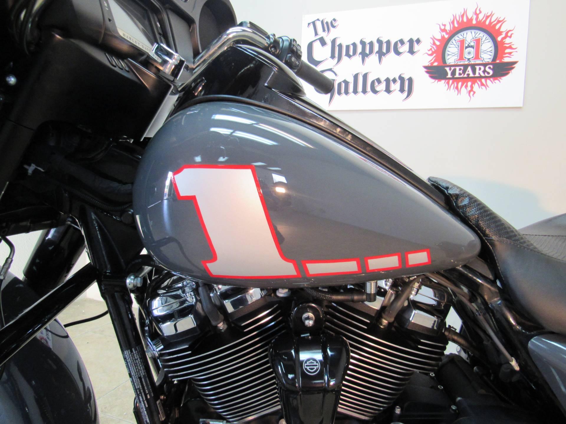 2018 Harley-Davidson Street Glide Special 5