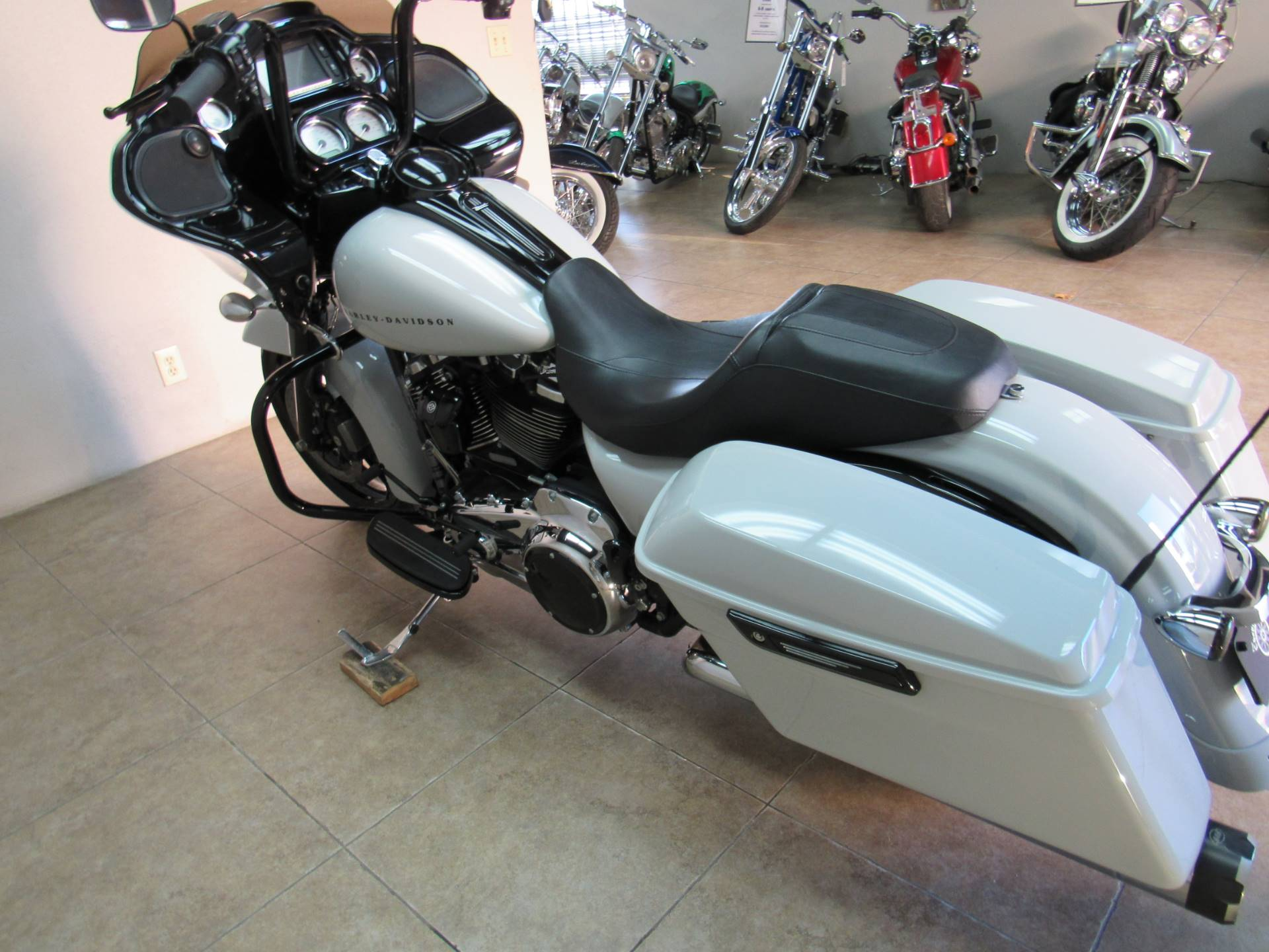 2017 Harley-Davidson Road Glide® Special in Temecula, California - Photo 31