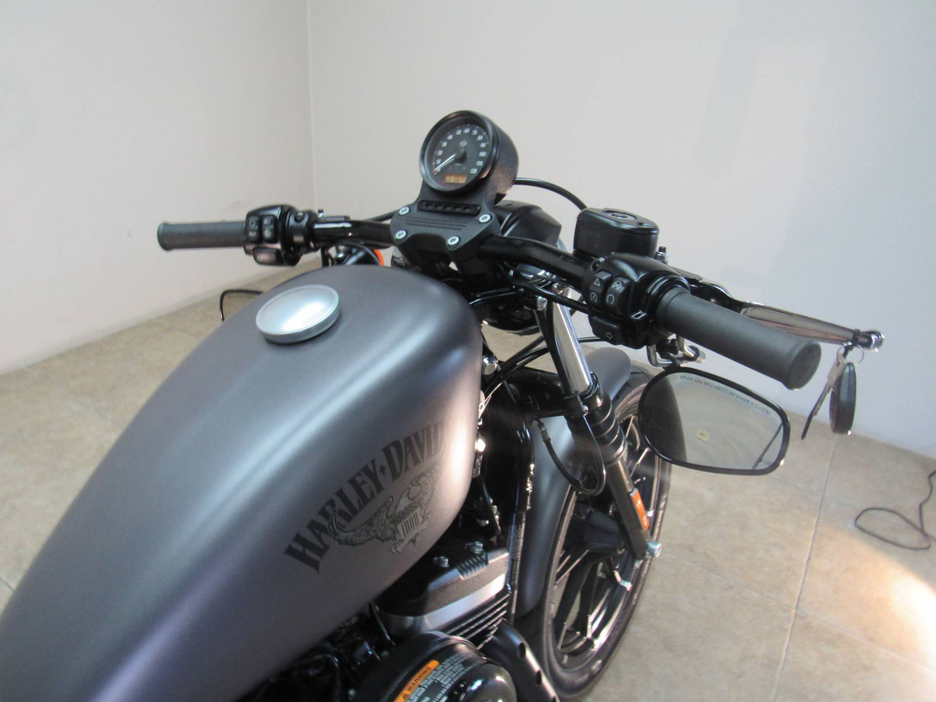 2017 Harley-Davidson Iron 883™ in Temecula, California - Photo 20