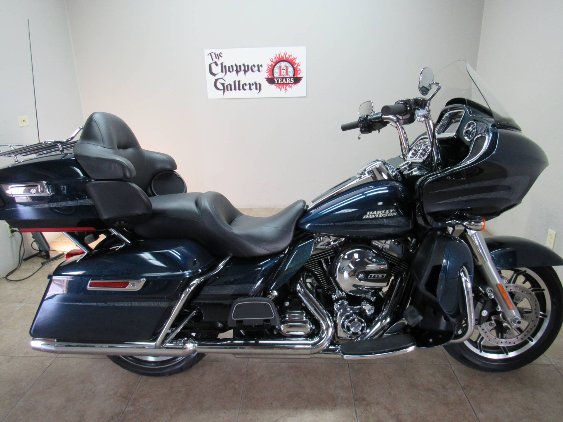 2016 Harley-Davidson Road Glide® Ultra in Temecula, California - Photo 3