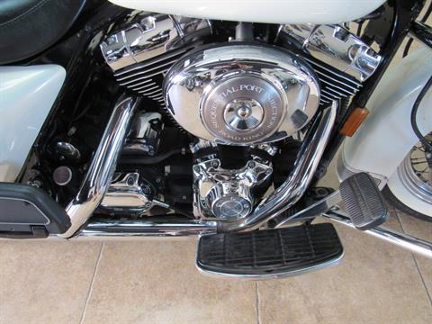 2002 Harley-Davidson FLHRCI Road King® Classic in Temecula, California - Photo 7