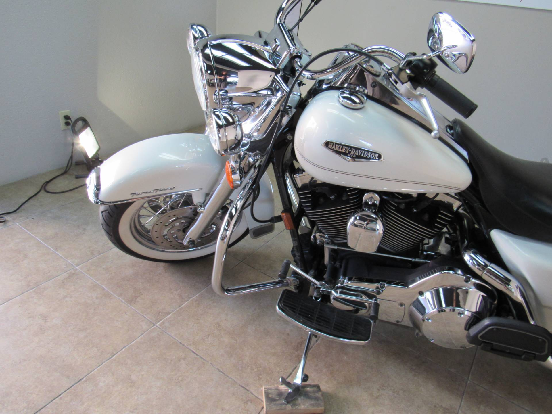 2002 Harley-Davidson FLHRCI Road King® Classic in Temecula, California - Photo 16