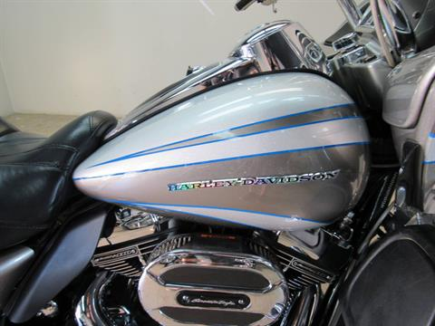 2016 Harley-Davidson CVO™ Road Glide™ Ultra in Temecula, California - Photo 4