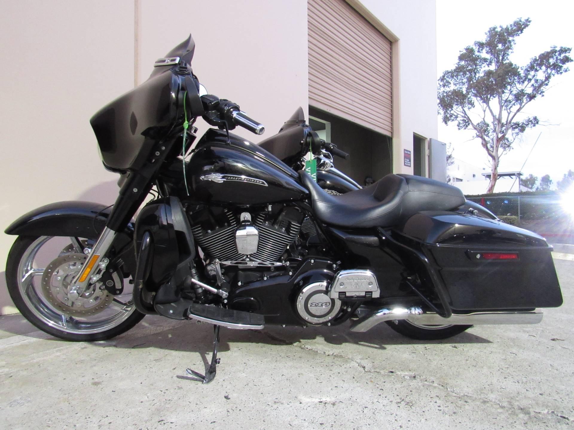 2015 Harley-Davidson CVO™ Street Glide® in Temecula, California