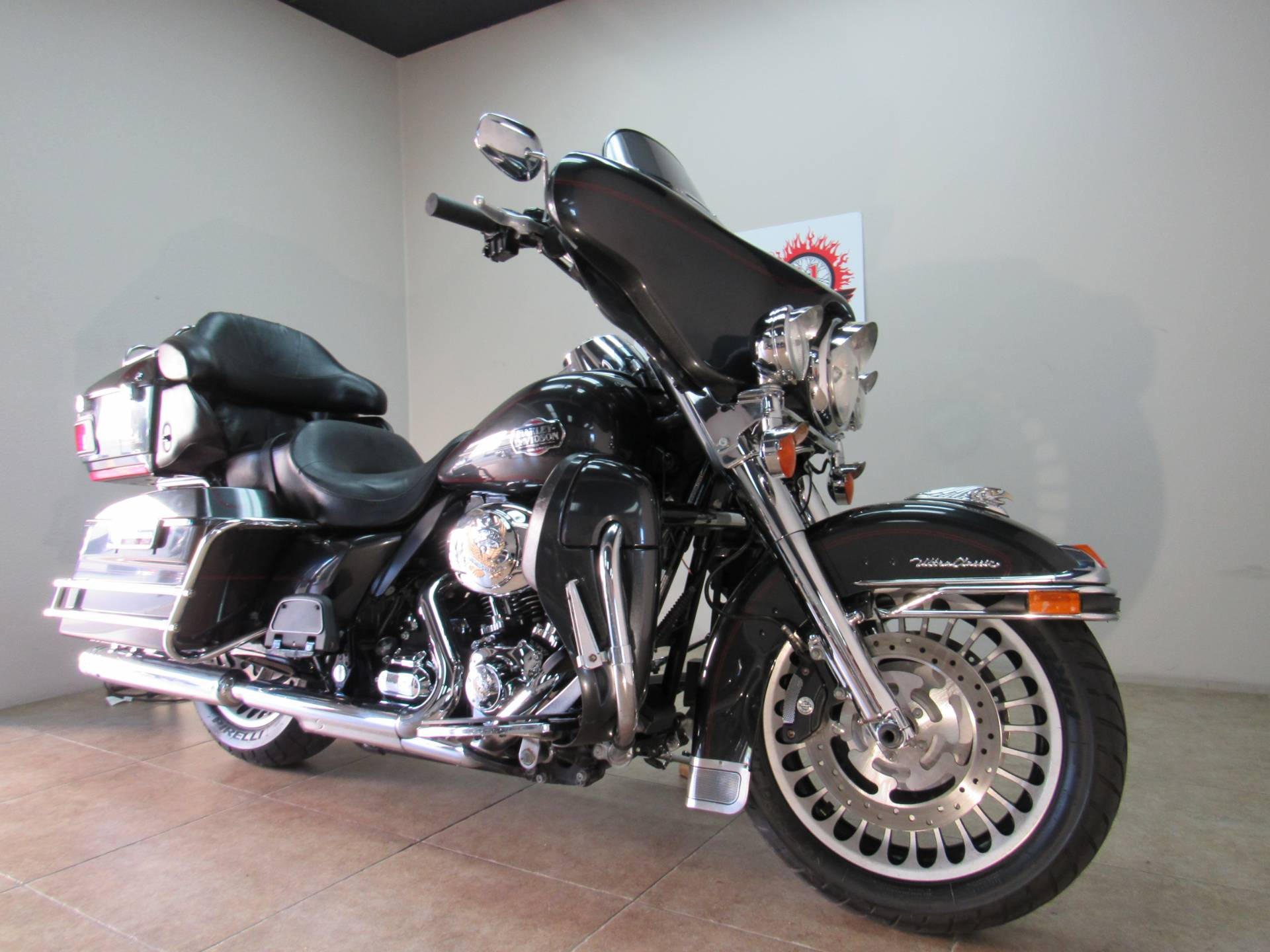 2009 Harley-Davidson Ultra Classic® Electra Glide® in Temecula, California - Photo 6
