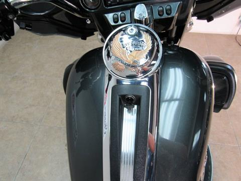 2009 Harley-Davidson Ultra Classic® Electra Glide® in Temecula, California - Photo 10